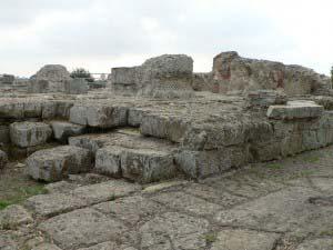 храм Зевса, Кумы, Италия