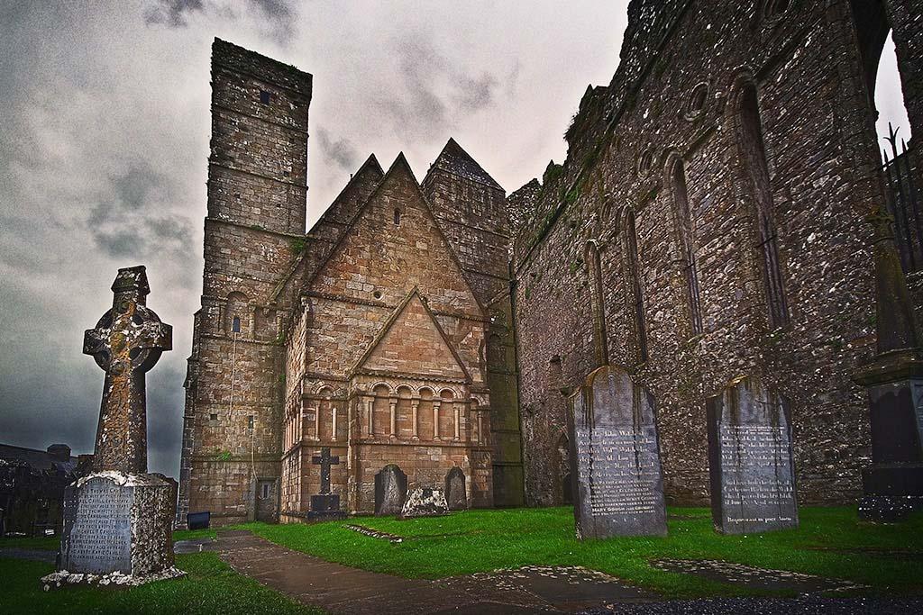 Скала Кашел, Ирландия
