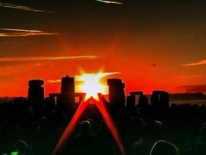 Стоунхендж в летнее солнцестояние